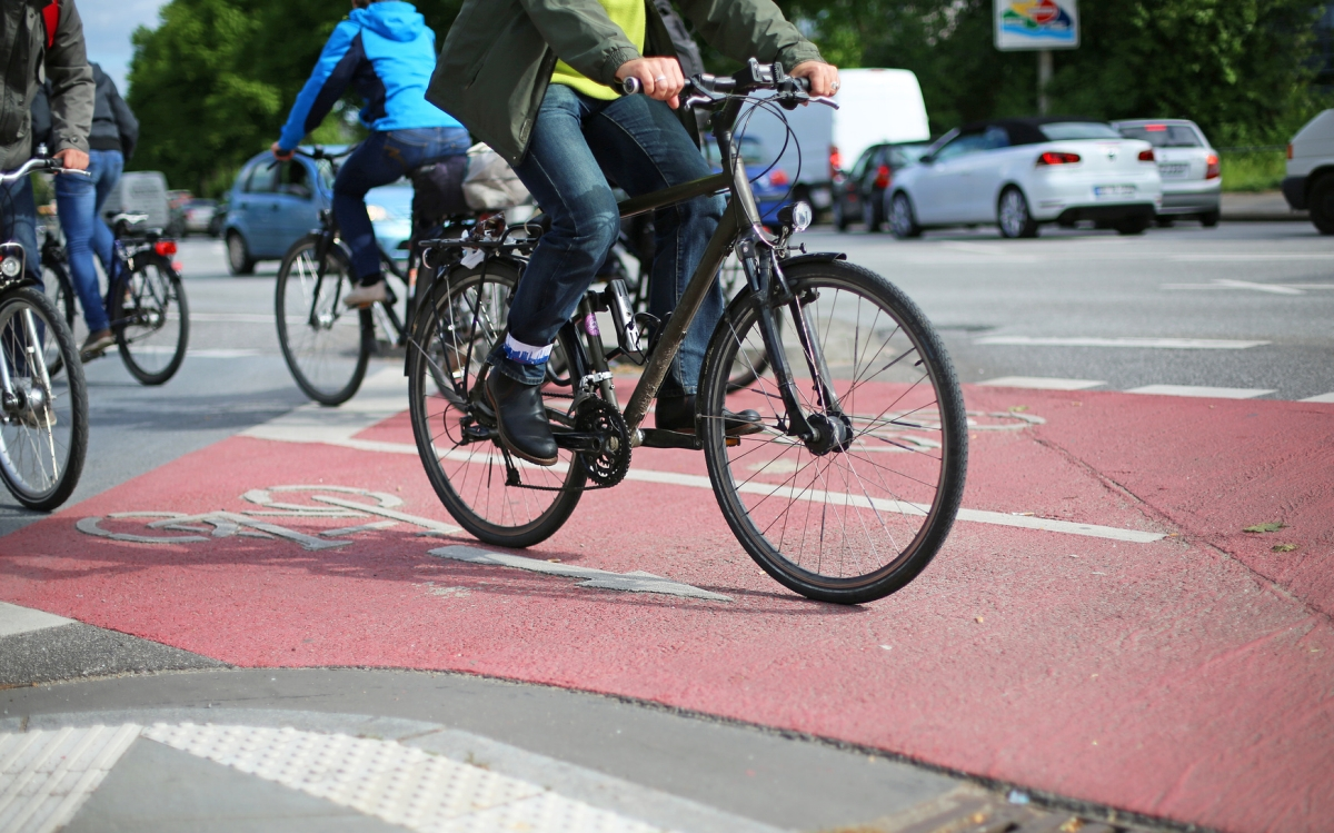 rowerzyści ścieżka rowerowa - Szymon Mazur