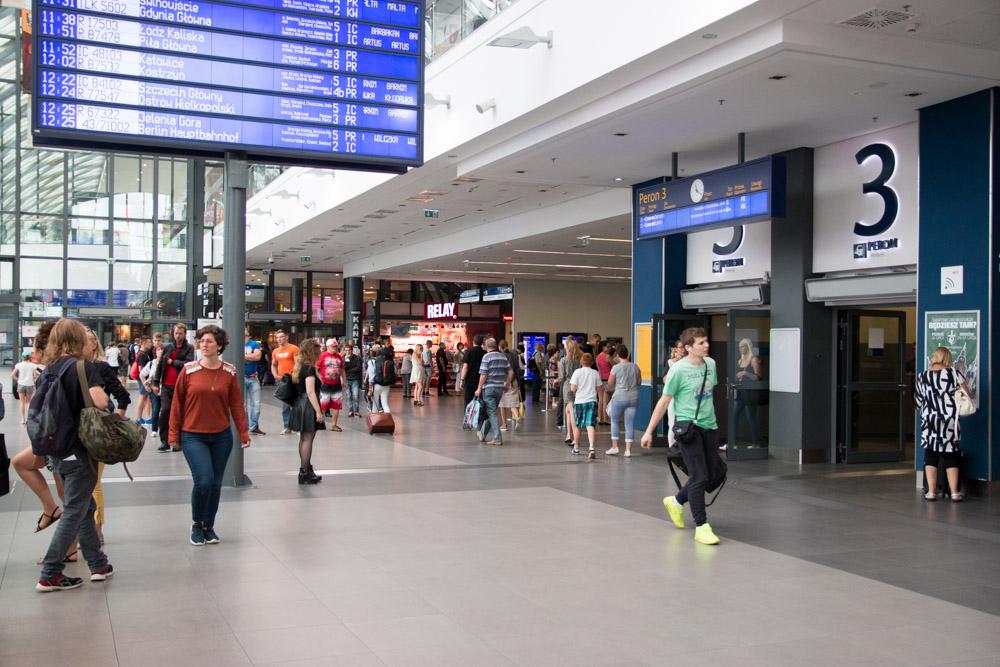 Dworzec PKP Poznań Główny  - Anna Adamczyk