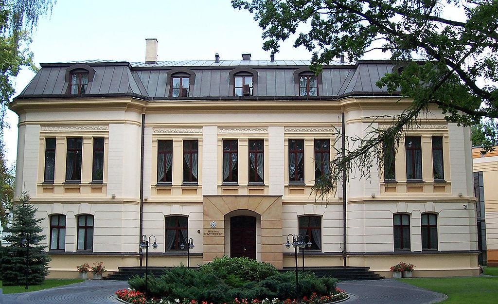 Trybunał Konstytucyjny - CC:Wikipedia Commons:Jurij