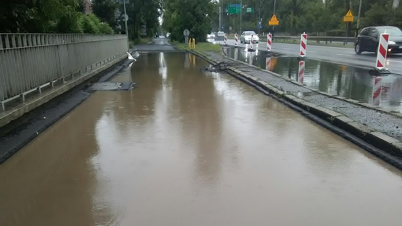 zalana ulica dąbrowskiego i bużańskiej poznań - Bogumił Dezor