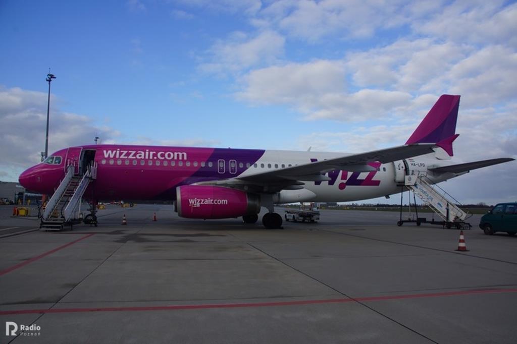 wizzair samolot - KWP w Poznaniu