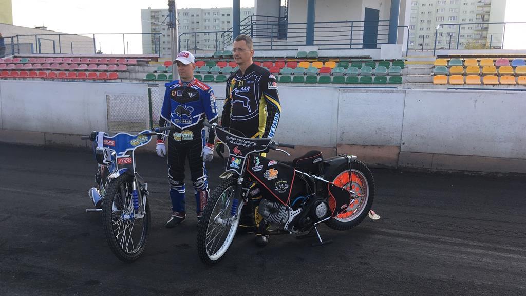hampel policja piła żużel spot motocykliści - Przemysław Stochaj