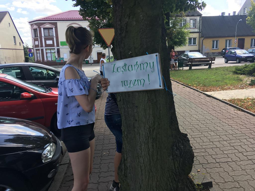 protest w obronie drzew stawiszyn - Danuta Synkiewicz