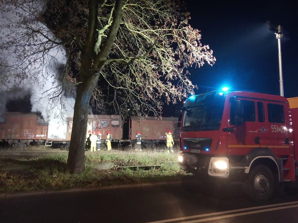 pożar wagonu w pile - www.112pila.pl