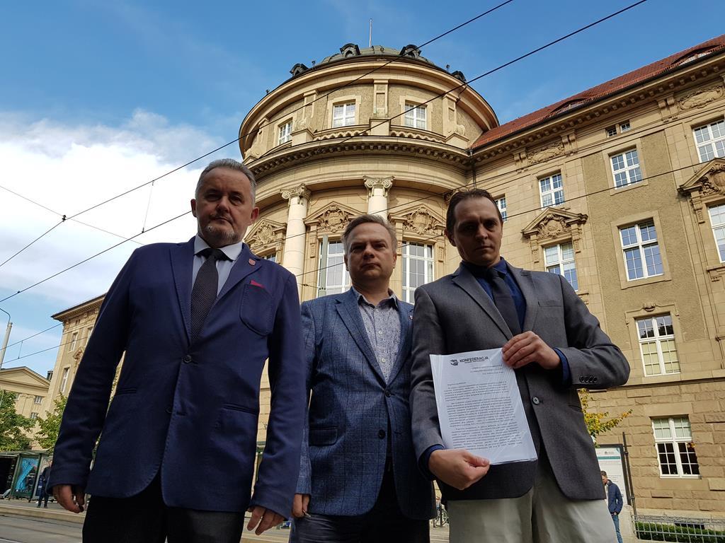 Konfederacja domaga się usunięcia studentki z Uniwersytetu Medycznego  - Hubert Jach