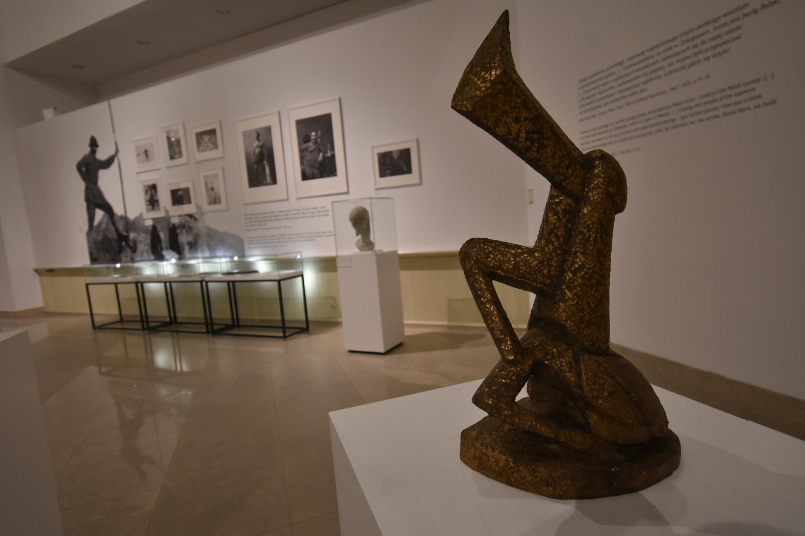 rzeźba zamoyski muzeum - Wojtek Wardejn