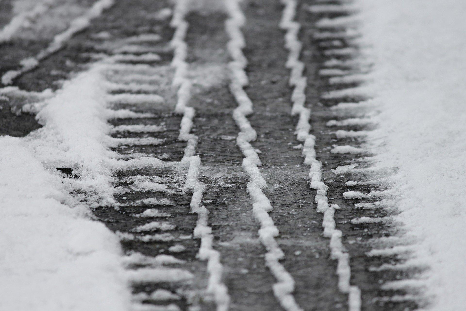 lód droga oblodzenie - Pixabay