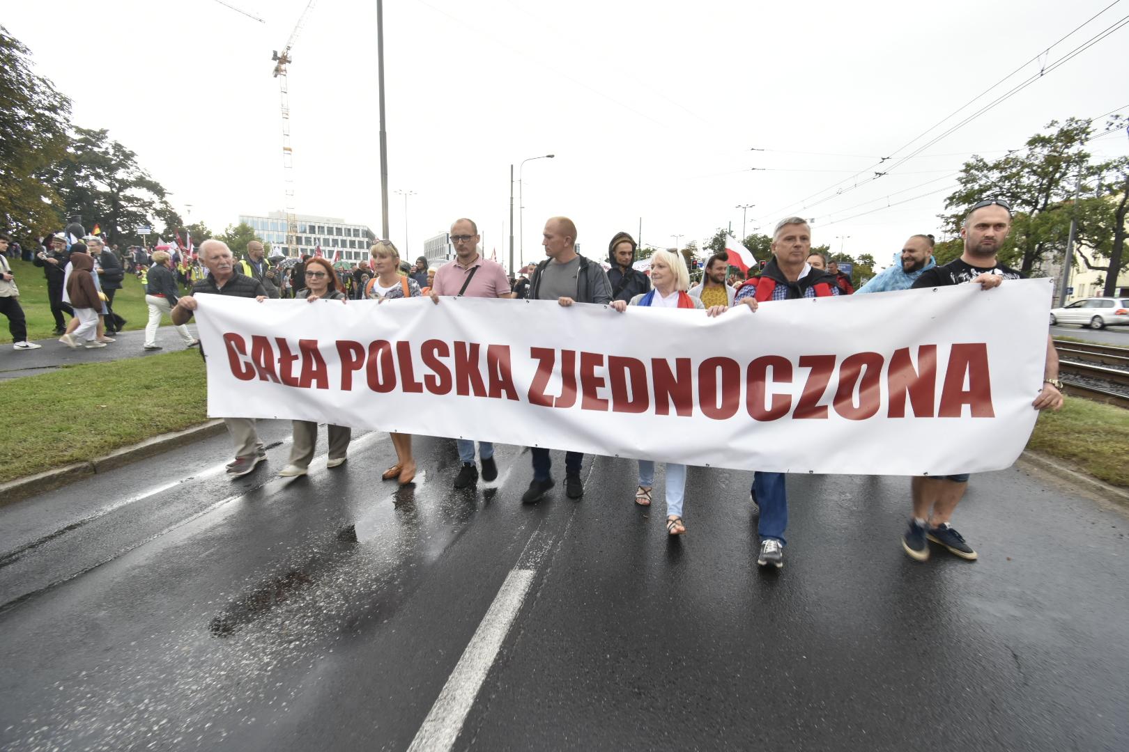 protest manifestacja antyszczepionkowcy - Wojtek Wardejn - Radio Poznań