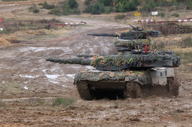 stzelanie na poligonie w biedrusku czołgi - CSWL w Poznaniu