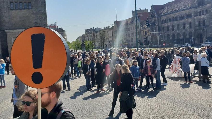 protest strajk nauczyciele nauczycieli poznań - Michał Jędrkowiak