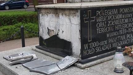 pomnik powstańców wielkopolskich rogoźno - Walerian Grochowalski
