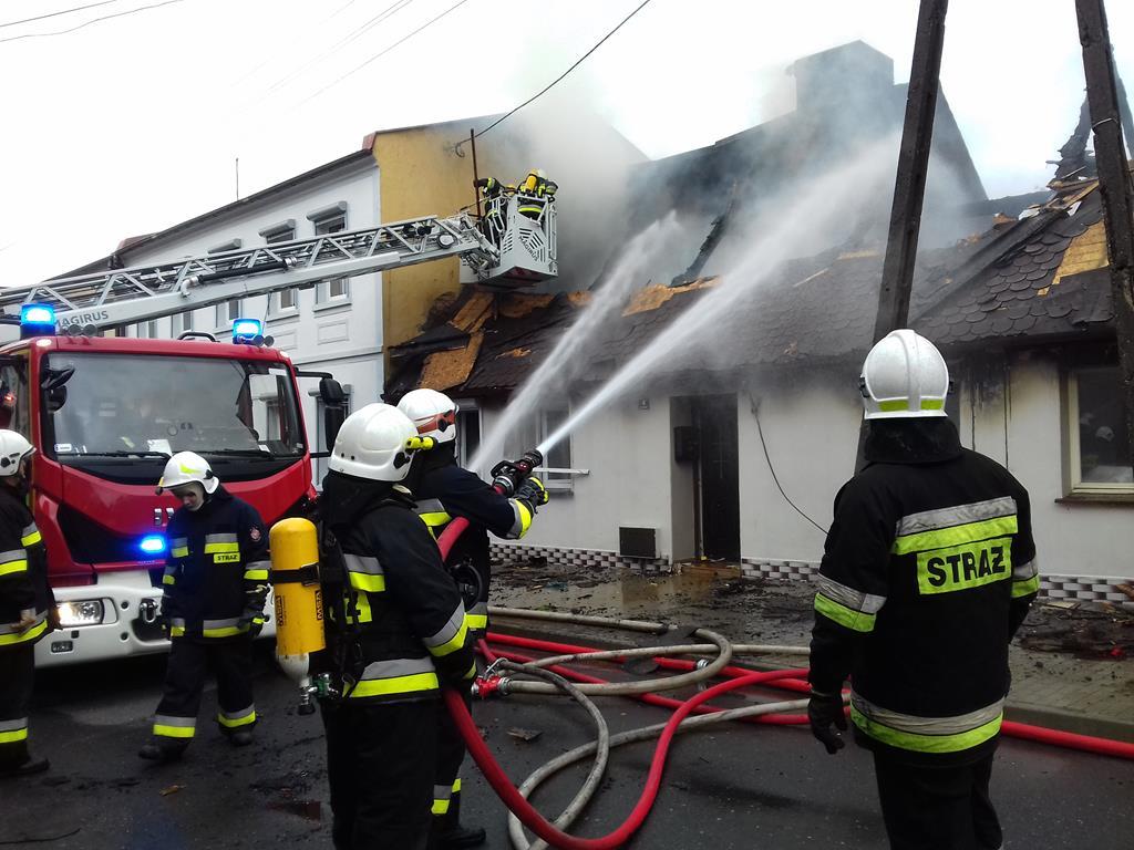 pożar domu we lwówku  - PSP Nowy Tomyśl