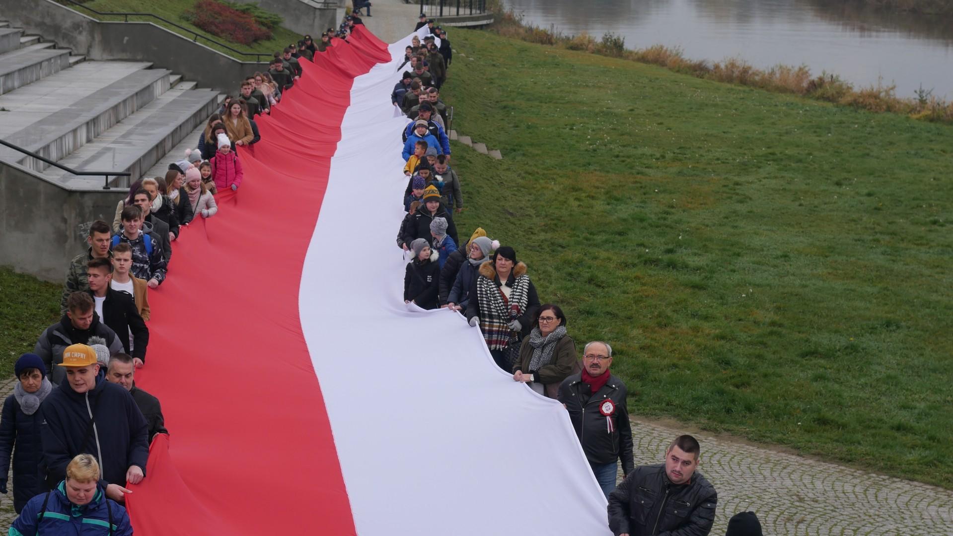 flaga niepodległej konin - Sławomir Zasadzki