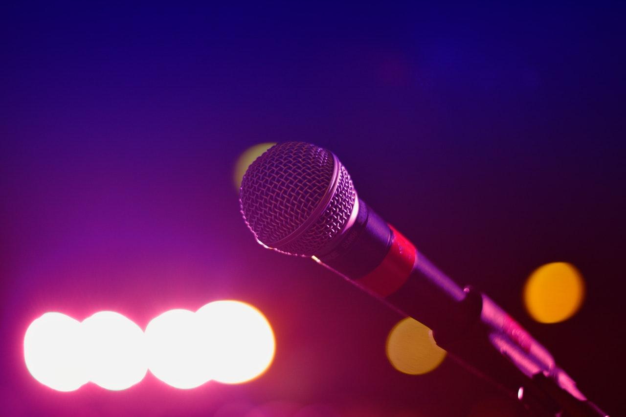 muzyka mikrofon stock - Pexels