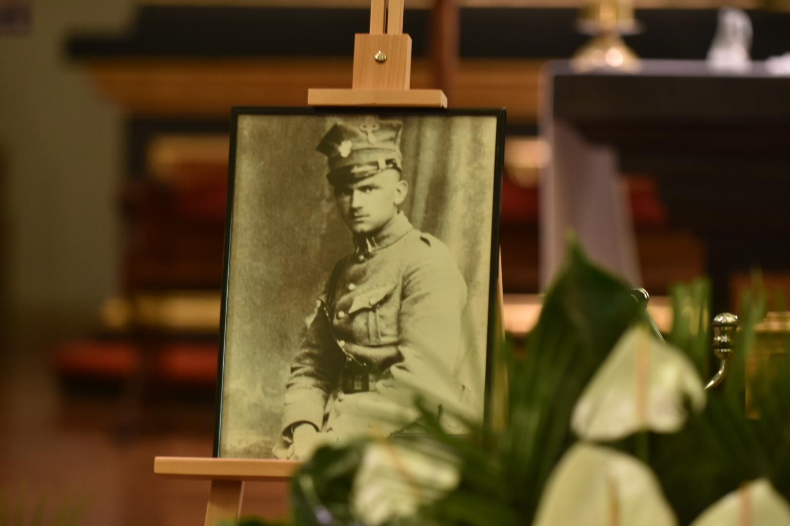 Uroczysty pochówek prochów pułkownika Wincentego Wierzejewskiego - Wojtek Wardejn