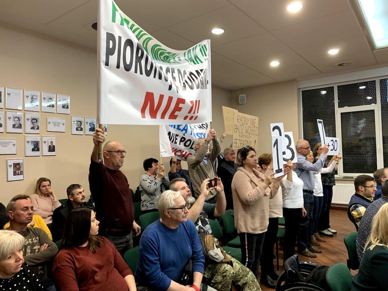 międzychód gorzyń protest sesja fabryka pianki - Kacper Witt - Radio Poznań