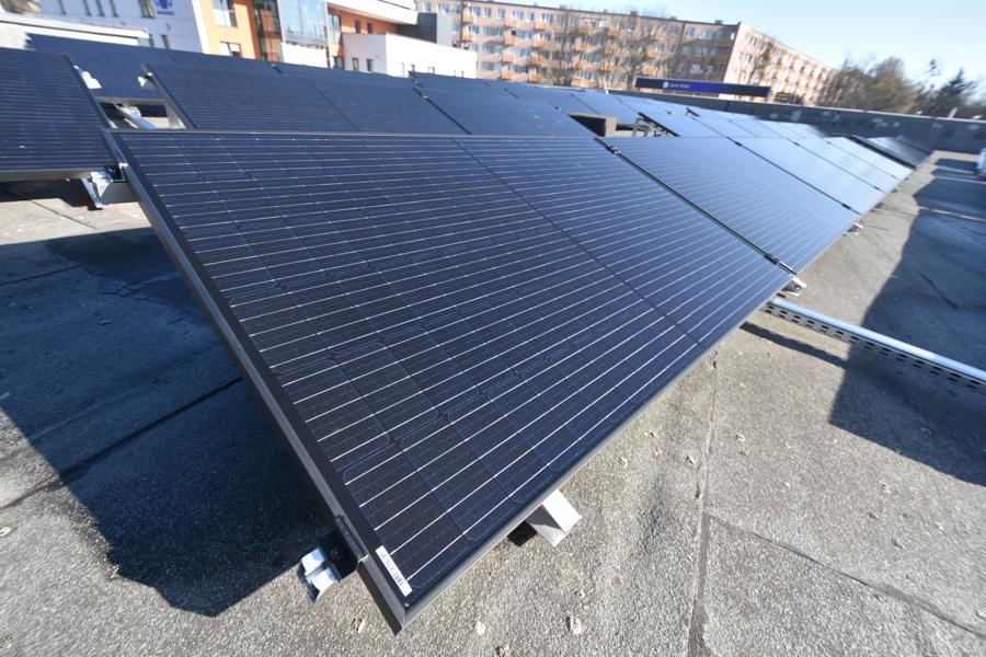 panele słoneczne fotowoltaika słoneczne dachy - Wojtek Wardejn