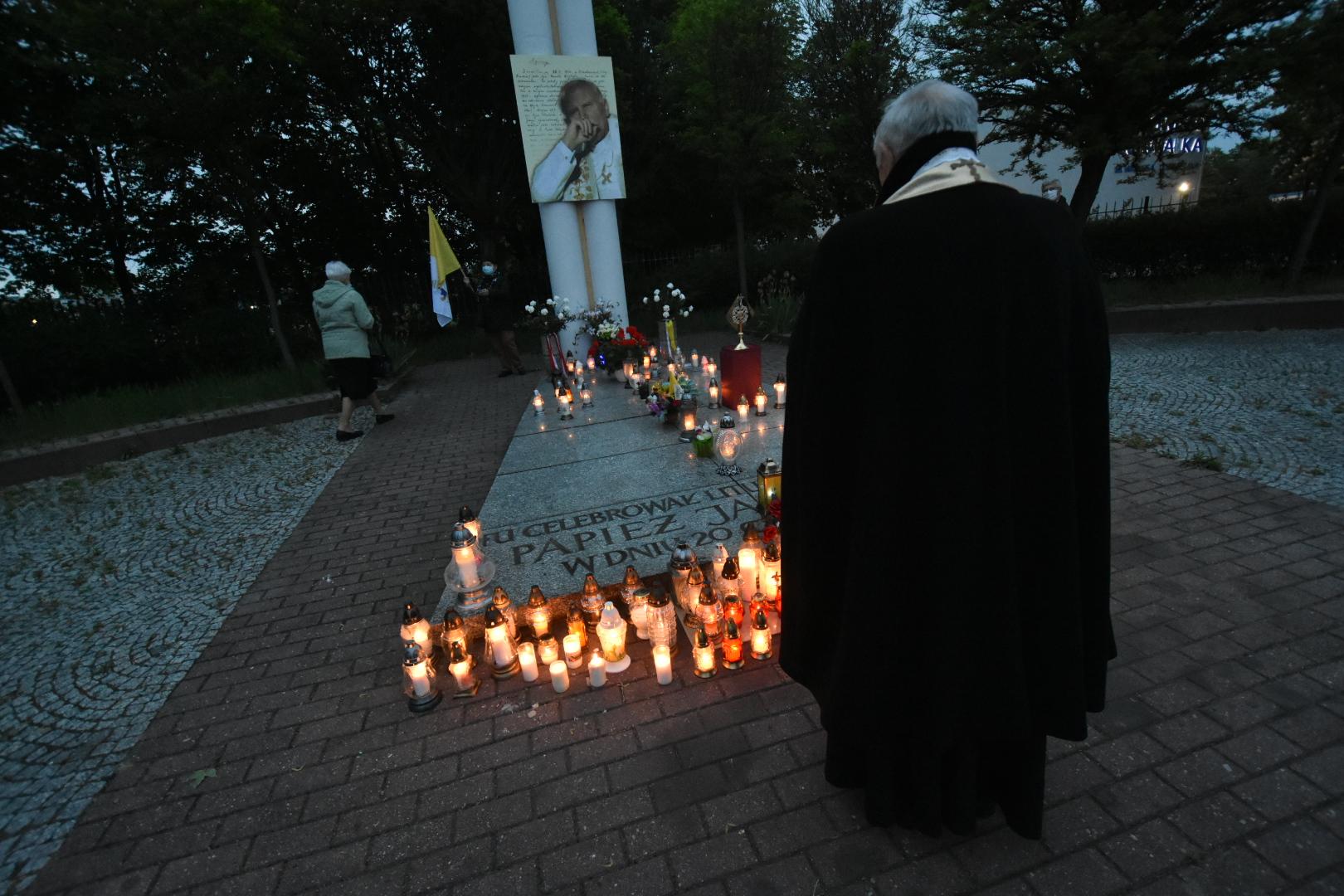 setna rocznica urodzin papieża  - Wojtek Wardejn