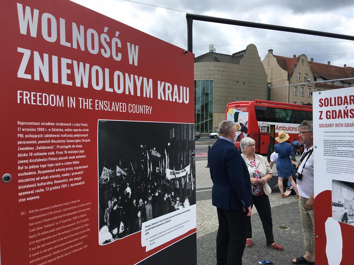 wystawa ipn strajki  - Jacek Butlewski - Radio Poznań
