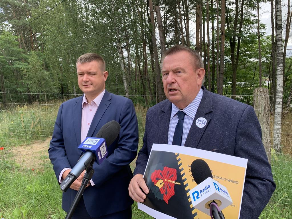 Politycy PiS zapraszają Rafała Trzaskowskiego do Dęborzyc - Kacper Witt