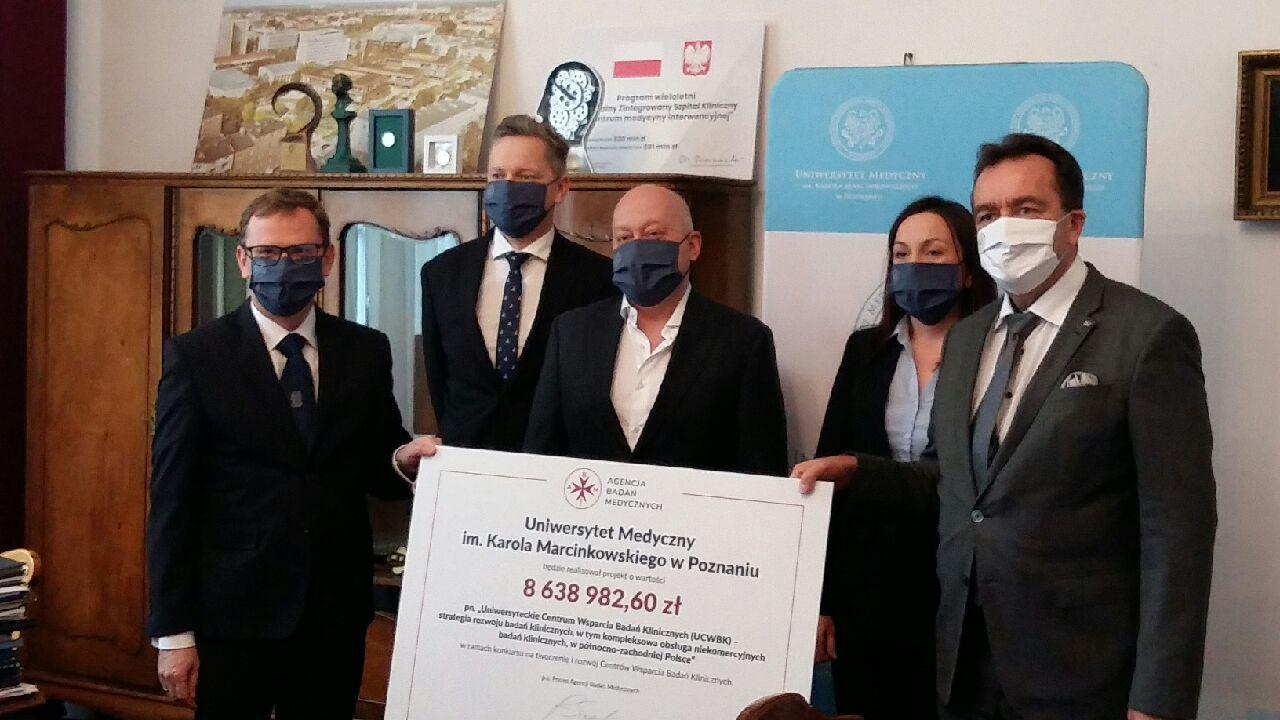 kasa czek uniwersytet medyczny - Magdalena Konieczna