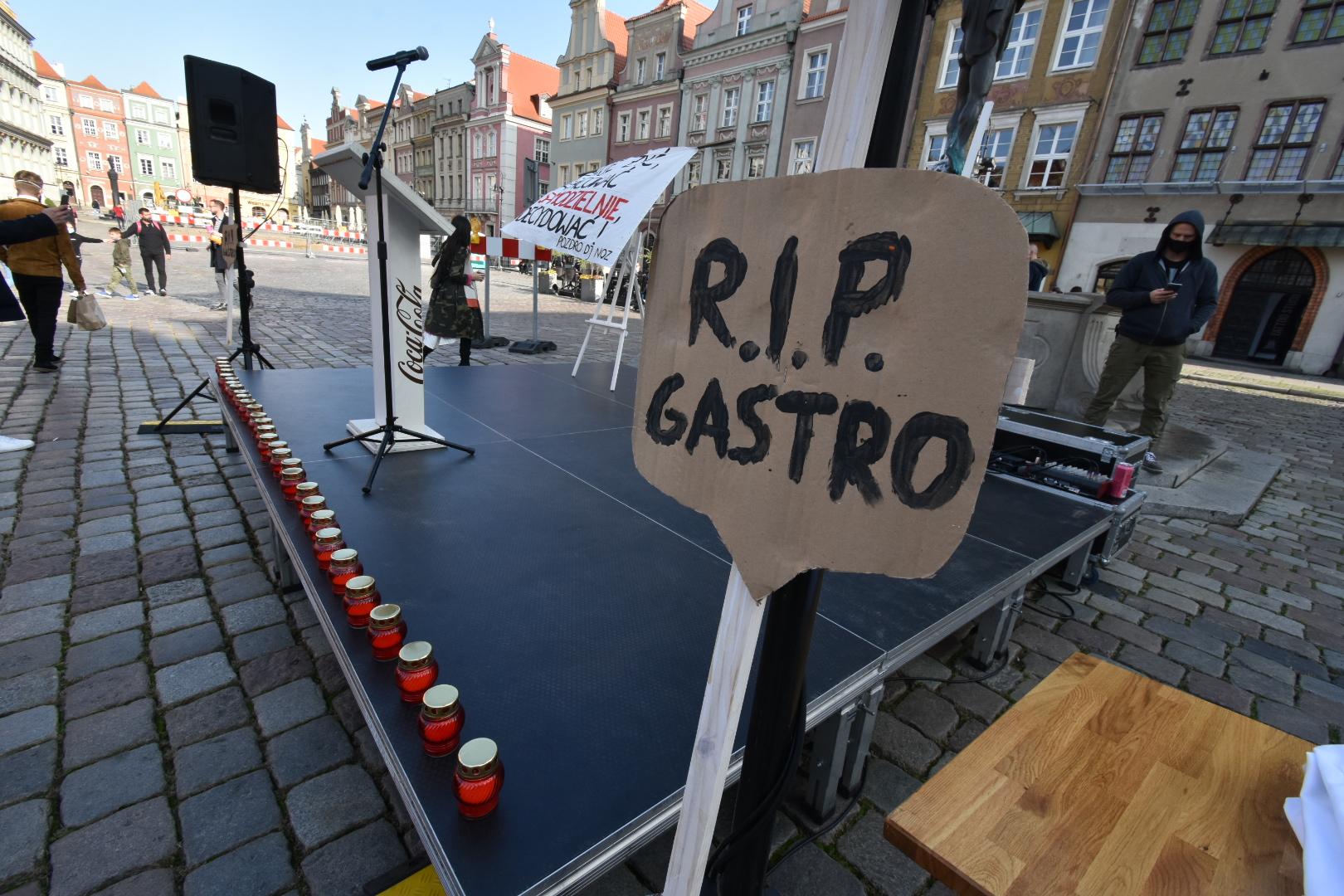 protest branża gastronomiczna stary rynek - Wojtek Wardejn - Radio Poznań