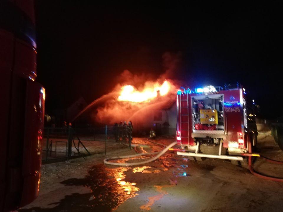 pożar domu lucin  - FB: OSP Niesłabin