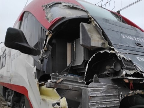 cięzarówka wjechała pod pociąg skalmierzyce  - Pociąg do Wielkopolski
