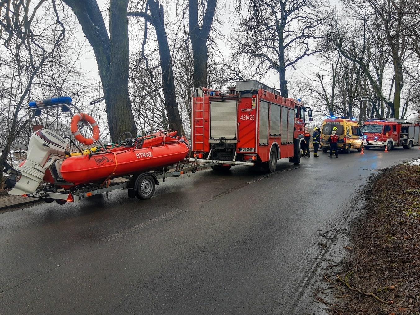 czerniejewo kra staw topielec topi staw jezioro ratownicy lód - OSP Czerniejewo