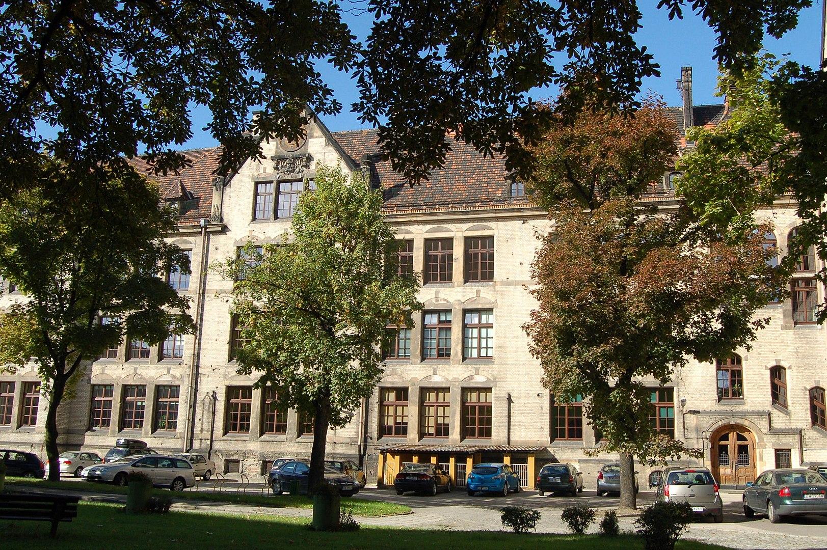 instytut psychologii uniwersytet wrocławski - By Padmayana - Praca własna, CC BY-SA 3.0 pl, https://commons.wikimedia.org/w/index.php?curid=21794483