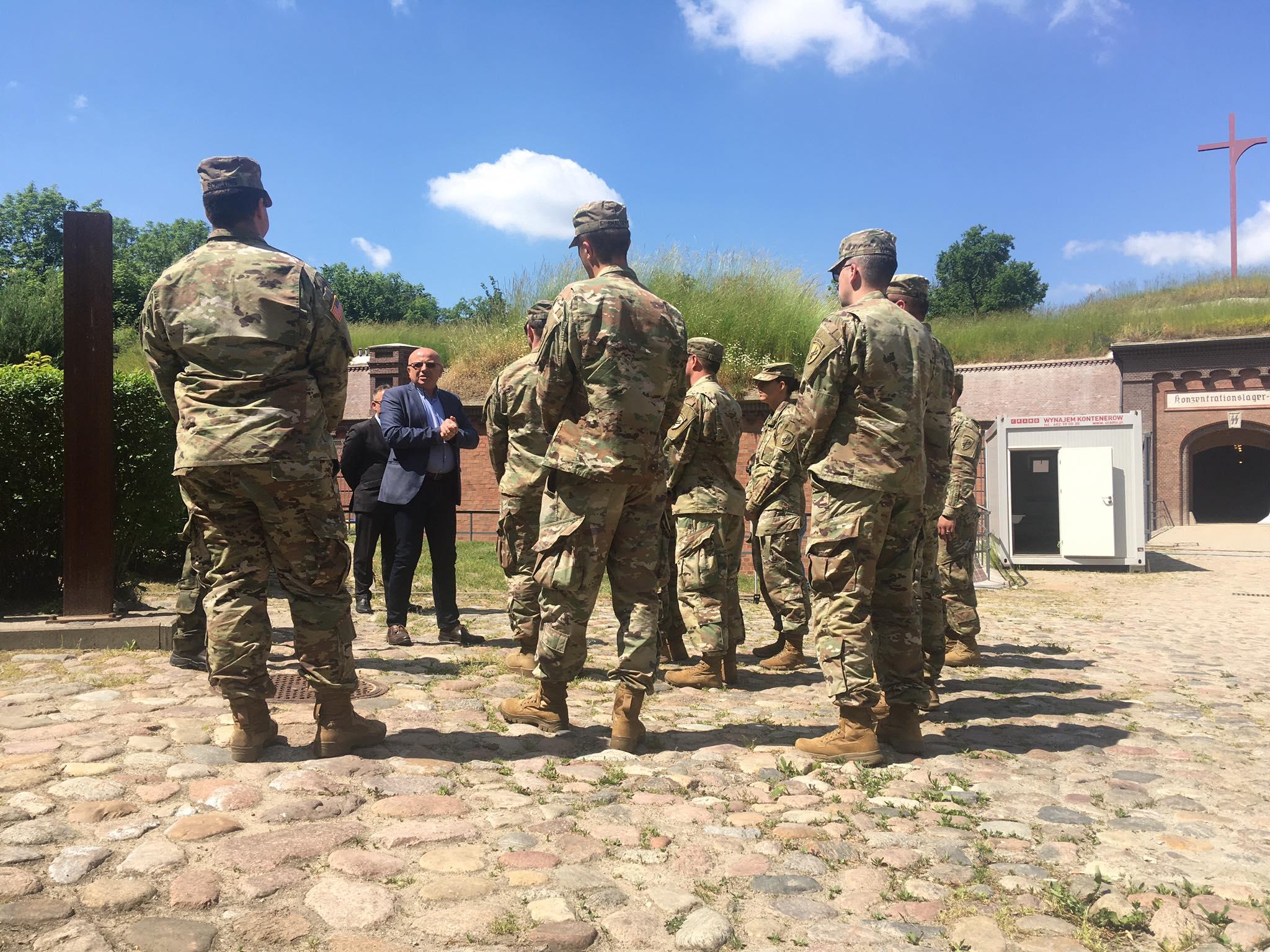 Amerykańcy żołnierze odwiedzili Fort VII - Jacek Butlewski